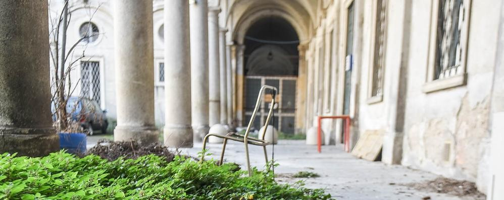 lex-orfanotrofio-dimenticato-da-anni-nessuno-lo-vuole_c88bc596-0b78-11e8-a435-790b3ac7068d_998_397_original